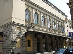 240px-Teatro_Comunale_di_Firenze_02.jpg